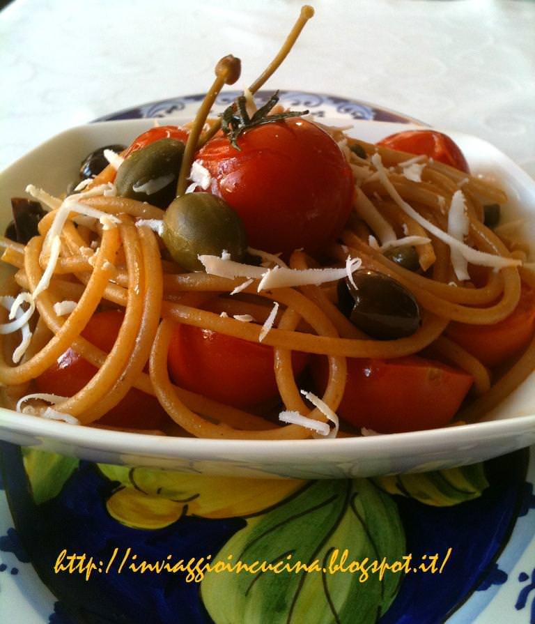 Spaghetti con sughetto siciliano