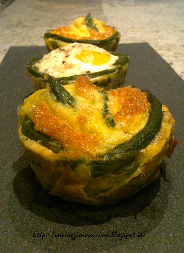 uova con asparagi in due versioni