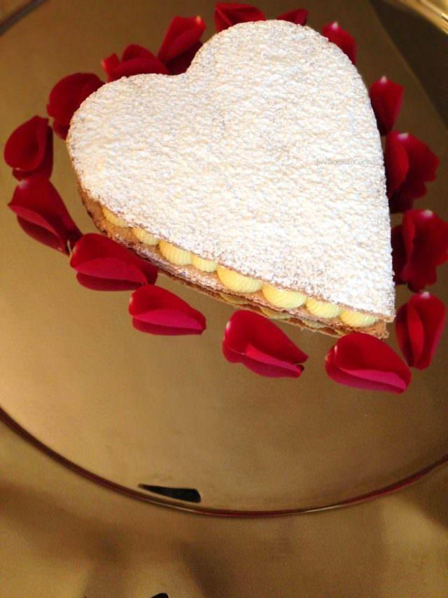 Cialde alle mandorle con crema per San Valentino