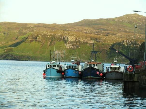 Barche ormeggiate all'isola di Skye