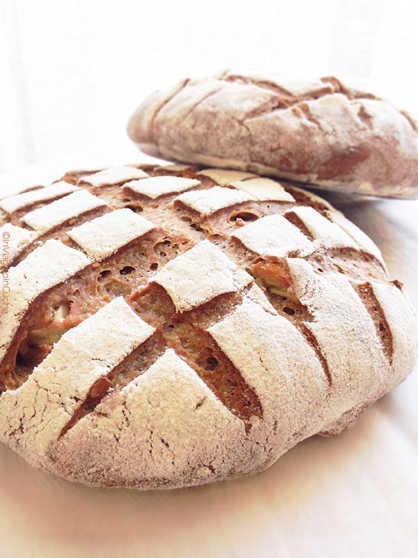 Pane con caldarroste e nocciole