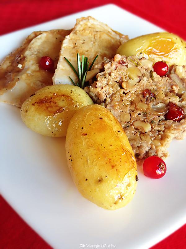 Tacchinella ripiena a fette con patate