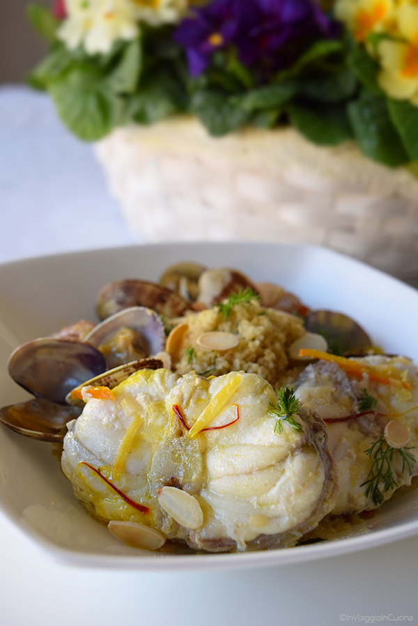 Cous cous con finocchietto, zuppetta di pesce, profumo di agrumi e di zafferano