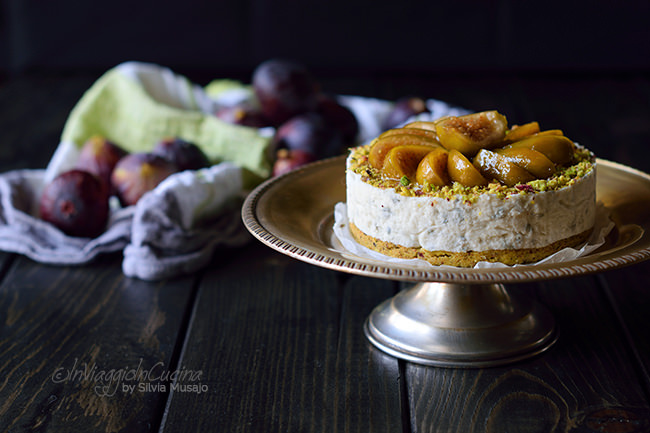 Cheesecake salata al pistacchio e fichi caramellati