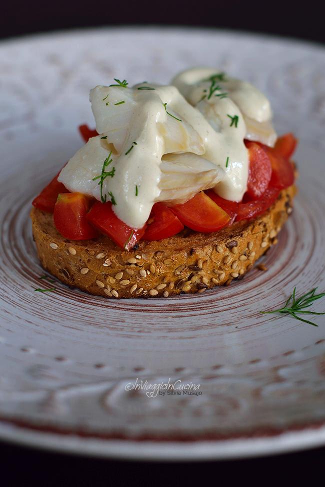 Bruschette con baccalà e pomodorini