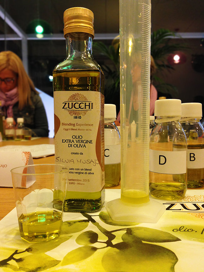 Provetta con mix di olio extravergine