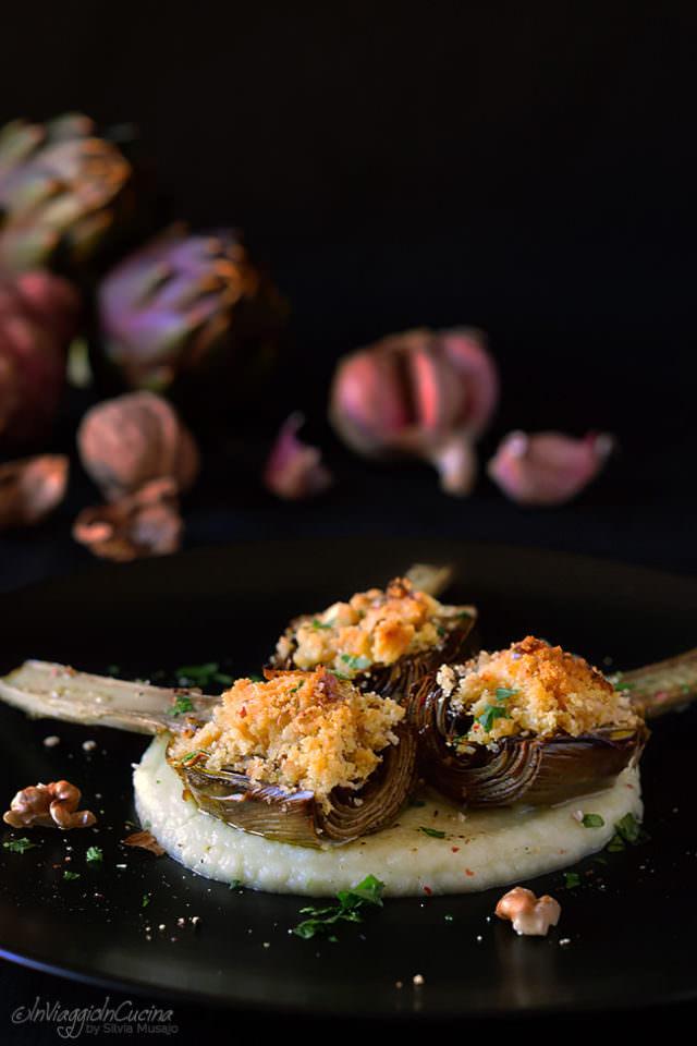 Carciofi gratinati con noci e grana su crema di topinambur