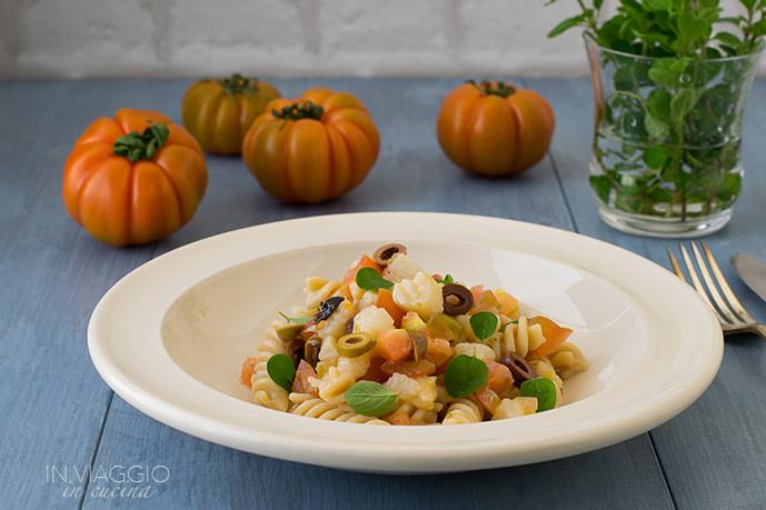 Pasta salad with codfish