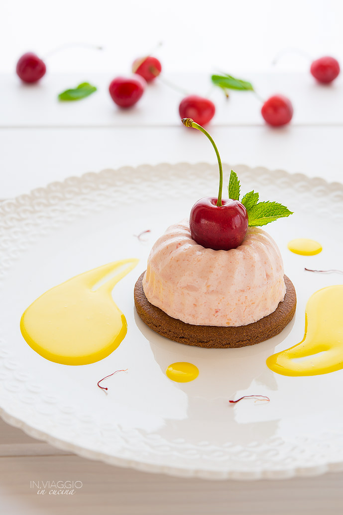 Cherry mousse with cocoa biscuit