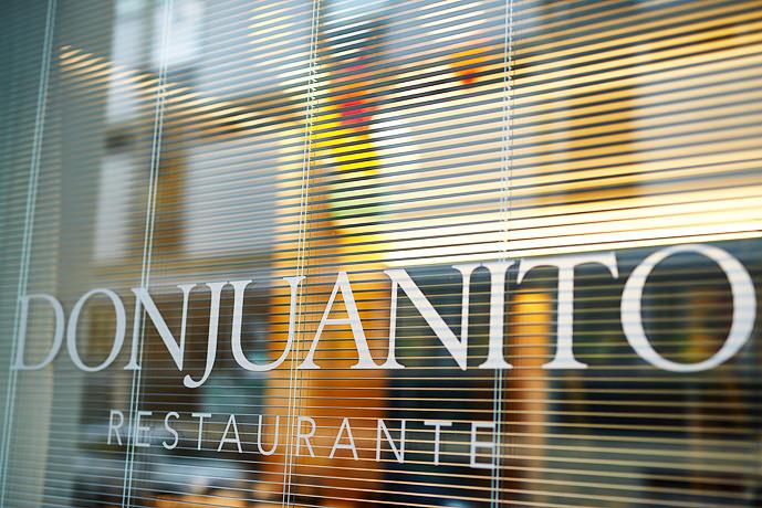 Vetrina Don Juanito Restaurante