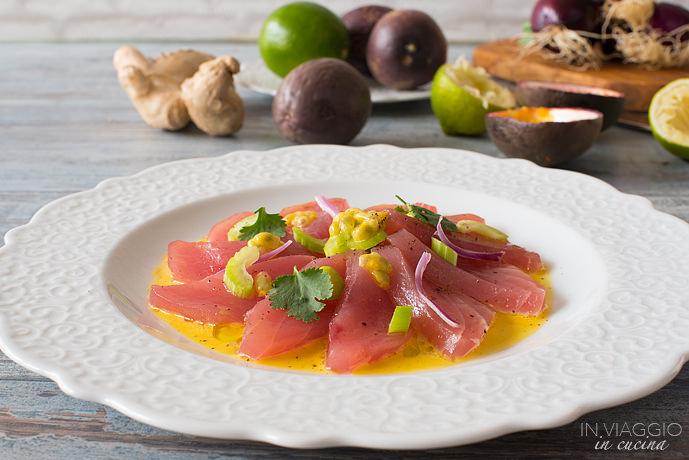 Tuna cheviche with passion fruit
