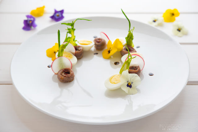 Composed salad with quail eggs