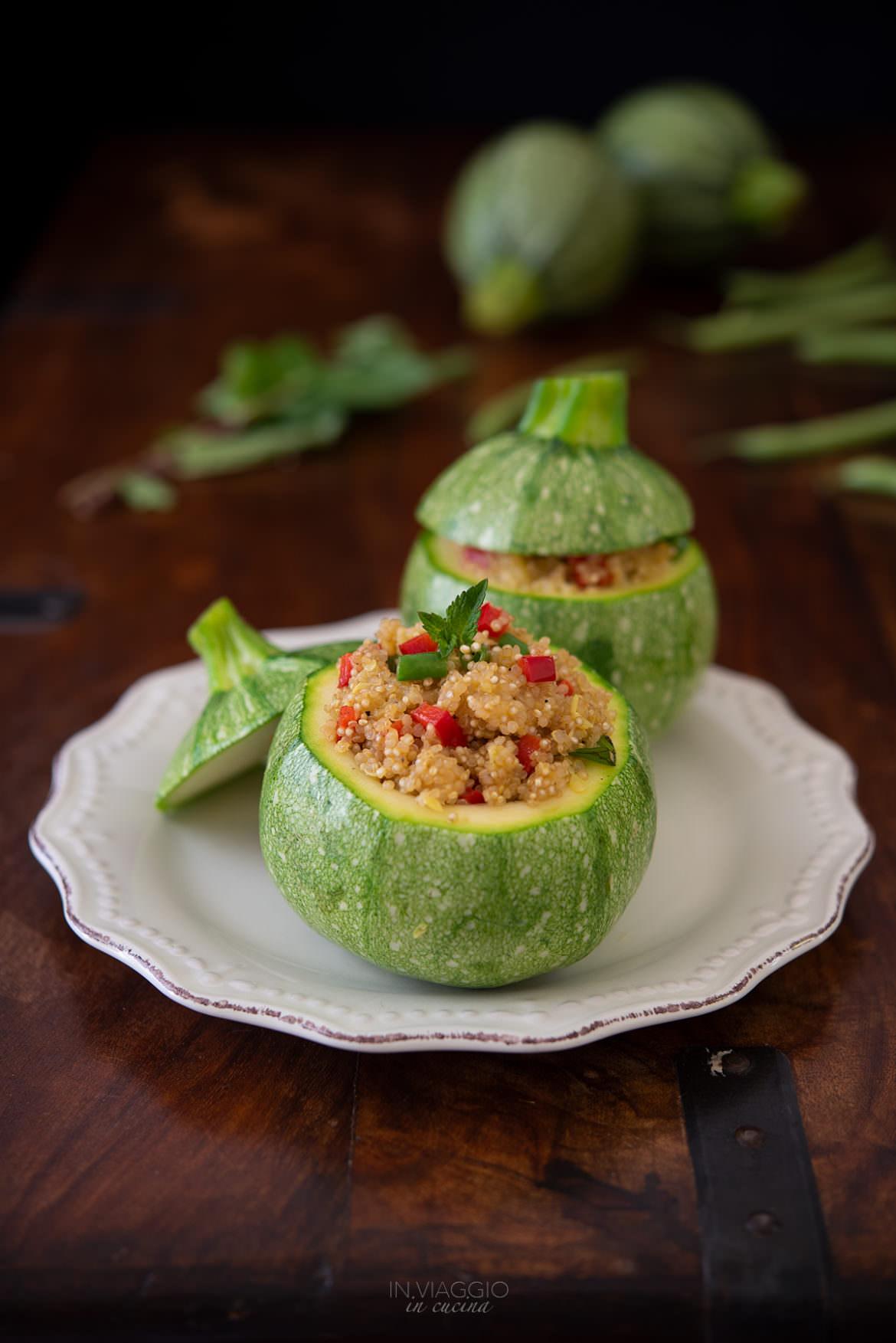 zucchine tonde ripiene di quinoa e verdure