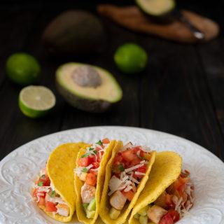 tacos with chicken, avocado and pico de gallo