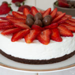 Ricotta cheesecake with strawberries and chocolate
